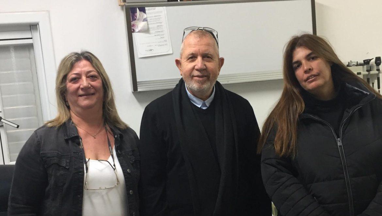 היום מצוין יום הרופא הישראלי במכבי שירותי בריאות . במרחב חולון בחרו להוקיר את עבודתו של דר סולימני אלי וצוות המרפאה