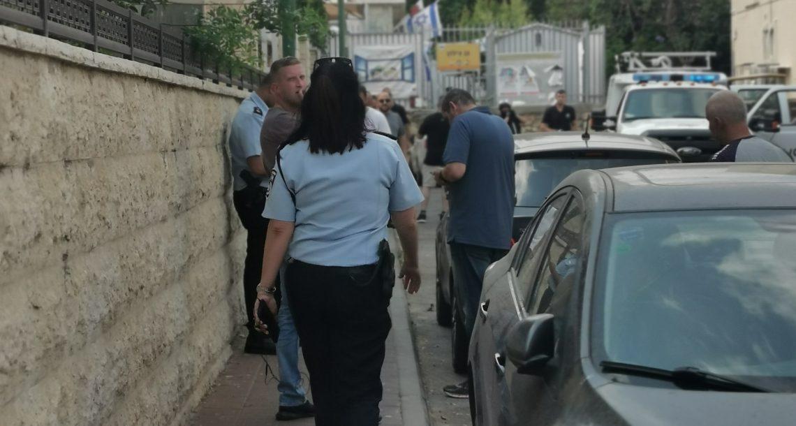 חולון: חבלני המשטרה טיפלו בחפץ החשוד כמטען שאותר בתוך רכב חונה