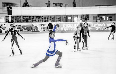 "Ice Peak– היכל הקרח בחולוןמשיקלראשונה תערוכת צילומים מרהיבה, פרישיתוף פעולהעםהמחלקה לצילום במכללת ""מנשר לאמנות"" תל אביב."