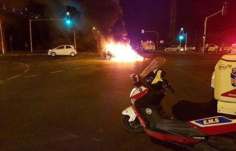 רכב עלה באש בצומת חולון