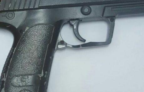 חשד: התחזה לשוטר ושדד אישה באיומי אקדח דמה