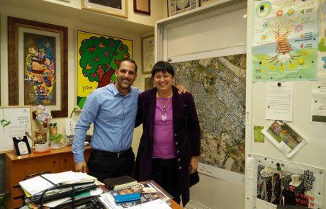"""פגישה עם מנכ""""לית עיריית חולון הגברת חנה הרצמן"""